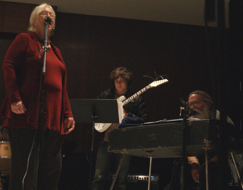 Suzanne_Jay_Larry-recital02-800.jpg
